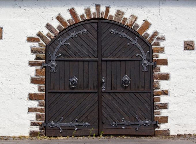 עיצובי אלומיניום בדלתות